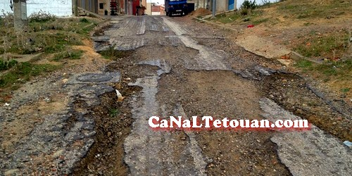 بالصور…تجزئة الوقاية بتطوان تزداد سوءا ، والسكان يطالبون بتعبيد الطريق !