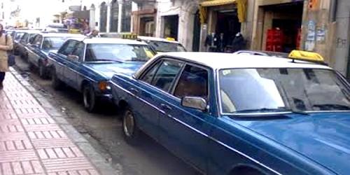 نقابةُ مهنيّي سيّارات الأجرة بتطوان تطالب بتنظيم القطاع والحد من الفوضى