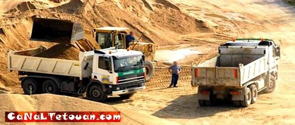 مهنيو نقل الرمال بجهة طنجة تطوان يوقفون إضرابهم و ينتظرون المفاوضات مع السلطات