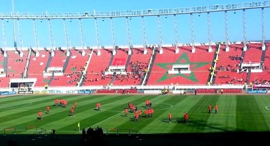 """""""الفيفا"""" تنبه المغرب لسوء أرضية ملعب الرباط قبل 3 أسابيع من الموندياليتو"""