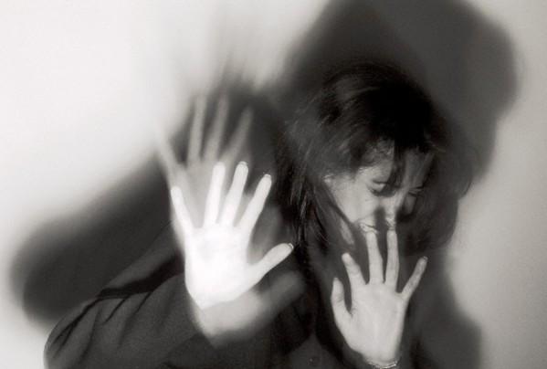 دراسة : هذا ما يكلفه العنف ضد المرأة