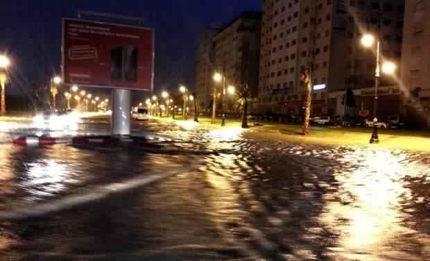 شوارع مدينة طنجة تغرق بالأمطار !