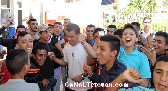 """الإفراج عن مدرب المغرب التطواني بعد اعتقاله بتهمة """"تهريب الأموال"""""""