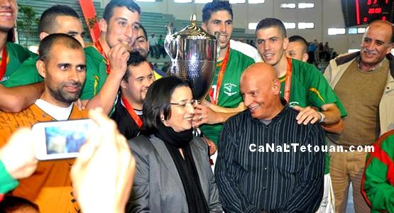 فريق جمعية حنان يصنع المعجزة ويمنح التطوانيين لقب كأس العرش (صور)
