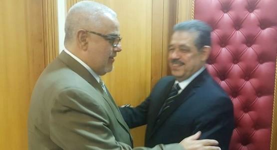 هكذا استقبل بنكيران خصمه السابق حميد شباط (شاهد الصور)